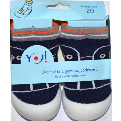 Детски чорапи с гумено ходило код 03.