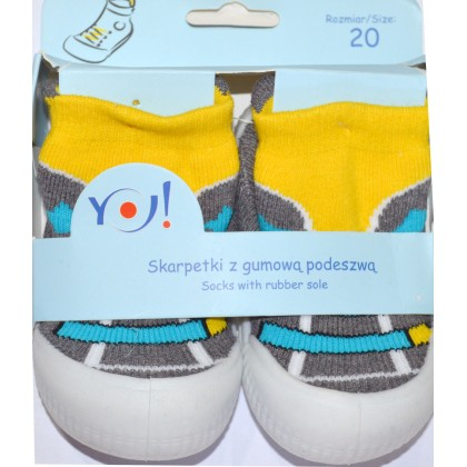 Детски чорапи с гумено ходило код 04.