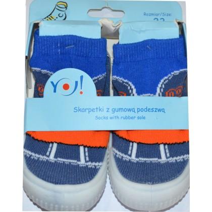 Детски чорапи с гумено ходило код 06.