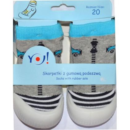 Детски чорапи с гумено ходило код 01.