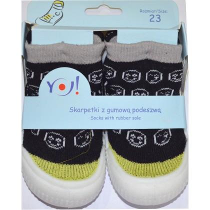 Детски чорапи с гумено ходило код 05.