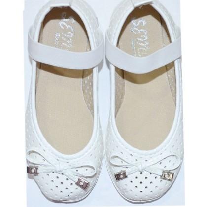 Бели детски обувки от 24-35 номер.