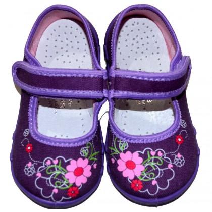 Детски дишащи пантофки от 20-25 номер в лилаво.